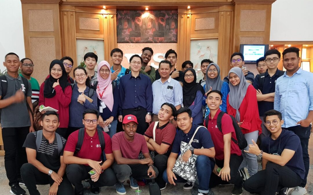 First Year Electrical Engineering Students Visit V. S. Electronics Sdn. Bhd.